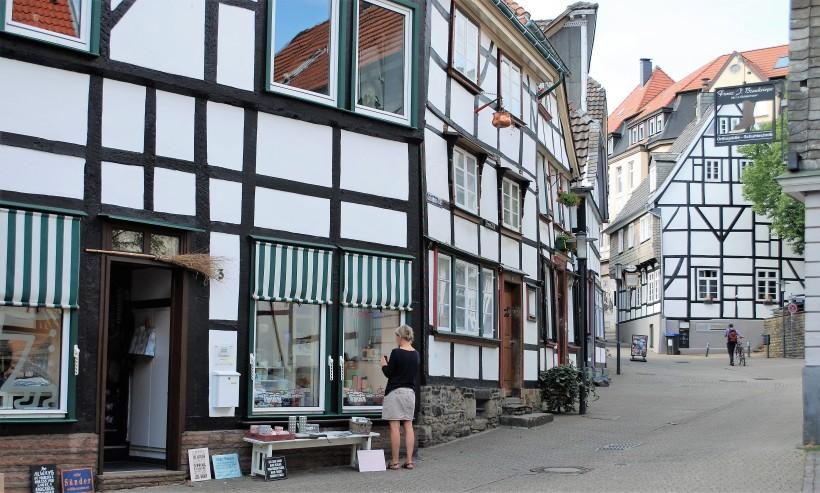 Hattingen Altstadt_Gasse_Geschäft